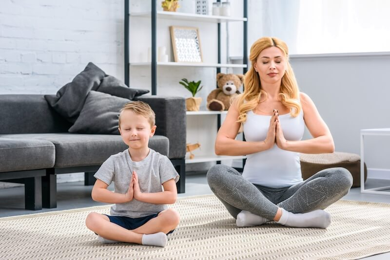 A five-minute mindfulness practice for moms and children